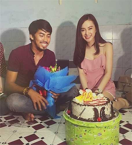 Hành động đẹp của Angela Phương Trinh trong dịp sinh nhật Duy Nhân khi anh còn sống cũng giúp cô cải thiện được hình ảnh.