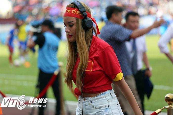 Dù đã vắng mặt trên sàn diễn khá lâu nhưng Myno vẫn được đánh giá là nữ DJ tài năng. (Ảnh: Thành Phạm)