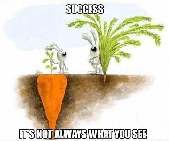 12. Đừng bao giờ so sánh mình với người khác, hãy quan tâm tới gì bạn làm thay vì những gì mà họ làm.
