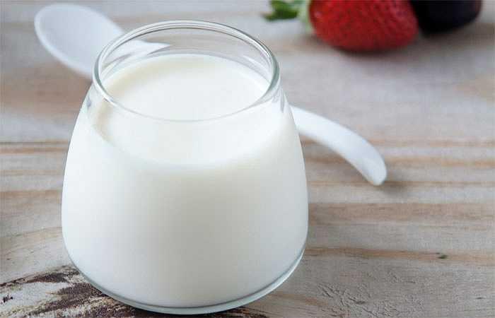 Sữa chua: Sữa chua không chỉ là loại thực phẩm mang lại nhiều lợi ích cho sức khỏe mà còn là loại thực phẩm đặc biệt tốt cho cơ bắp. Sữa chua là sự kết hợp lý tưởng giữa các protein và carbohydrate giúp phục hồi sức khỏe nhanh chóng sau khi tập luyện thể dục và phát triển cơ bắp.