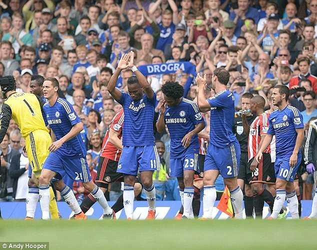 Ở trận cuối cùng mùa giải 2014-2015, Drogba đã được vinh dự mang băng đội trưởng của Chelsea.