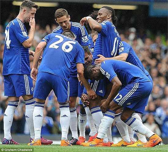 Ở mùa bóng này, dù không thường xuyên đá chính nhưng Drogba vẫn ghi được những bàn thắng rất quan trọng, đóng góp vào chức vô địch Giải ngoại hạng Anh 2014-2015 của Chelsea.