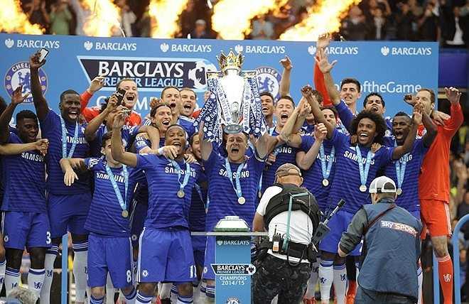 Theo đó, The Blues chỉ thua đúng 4 trận ở mùa này và vượt qua Man Utd, đội thua 5 trận khi giành cú ăn ba ở mùa giải 1998-1999.