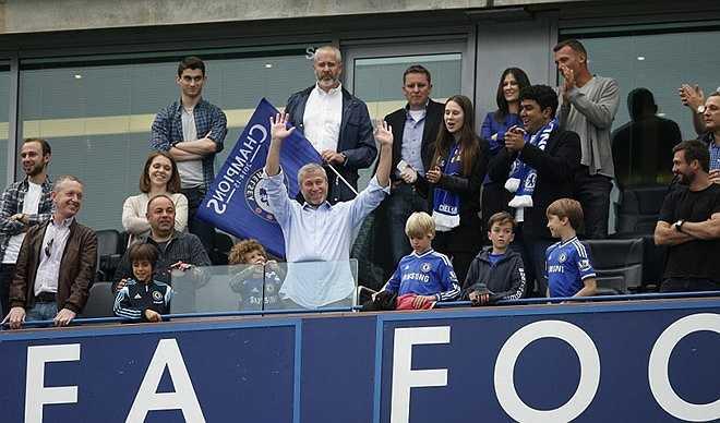 Ông chủ Chelsea hẳn nhiên hài lòng về chiến quả của đội bóng thành London
