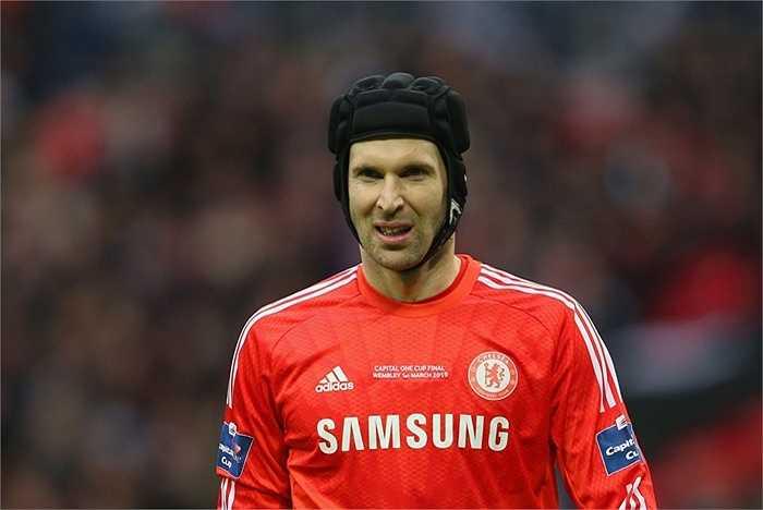 Petr Cech cũng là 1 lựa chọn nữa của Quỷ đỏ, khi mà anh đang không hạnh phúc tại Chelsea