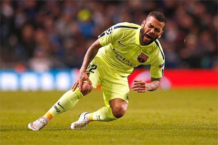 Dani Alves là phương án dự phòng của Man Utd. Hậu vệ người Brazil có thừa đẳng cấp và kinh nghiệm. Tuy nhiên hiện anh đã bước sang tuổi 32 và không thể chơi bóng đỉnh cao trong thời gian dài nữa