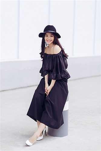 Á hậu Diễm Trang cũng không ngoại lệ, cô đang dần có sự chuyển mình với thời trang và đang tìm cho mình một phong cách phù hợp nhất.