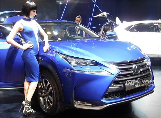 Các tiện nghi đáng chú ý khác như điều hòa tự động 2 vùng, lọc không khí, hệ thống mở cửa và khởi động thông minh, hệ thống âm thanh cao cấp Lexus.