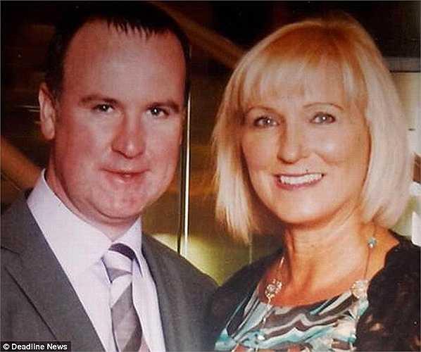 Helen Butchart, 54 tuổi, từ Lochgelly, Fife, sau một lần đến nha sỹ khám bệnh và phát hiện một khối u phía trong mặt. Cô đã được điều trị bằng kháng sinh và loại bỏ 3 chiếc răng.