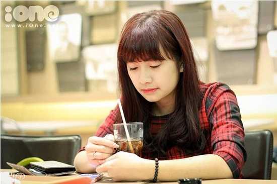 9x Lương Thị Như Ngọc (sinh năm 1998), hiện là học sinh lớp chuyên Văn, trường THPT Chuyên Nguyễn Trãi, Hải Dương.