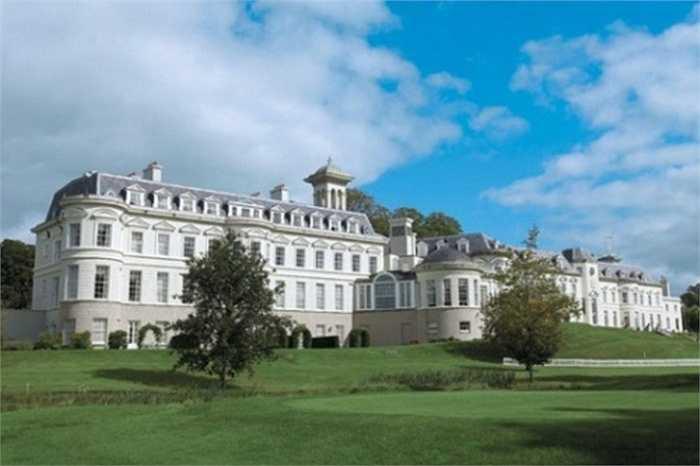 8. Biệt thự Franchuk. Nằm ở London, Anh, khu biệt thự này được một doanh nhân Trung Quốc mua năm 1997. Đến nay, giá trị ước tính của Franchuk đã lên đến 75 triệu USD.