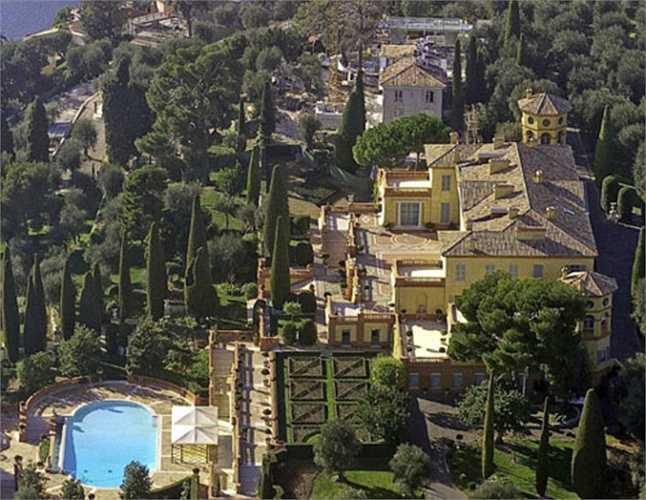 3. Villa Leopolda. Tọa lạc tại thị trấn Villefranche-sur-Mer, Pháp, tòa biệt thự hiện đang là một trong những nơi cư trú của góa phụ của Safra, Lily, và có giá trị hơn $ 750,000,000 USD