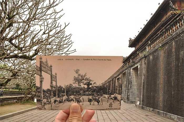 Quân lính bên ngoài kinh thành Huế cuối thập niên 40 của thế kỷ 20