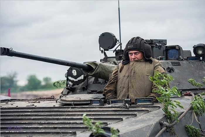 Binh sỹ Nga chuẩn bị vượt sông