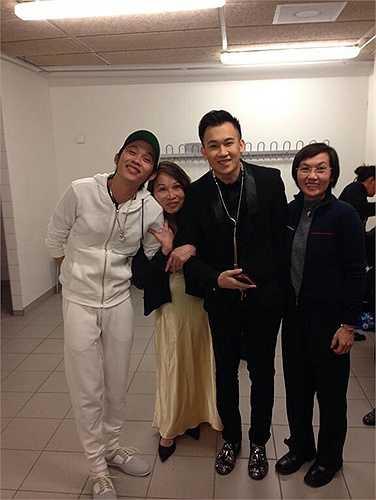 Để không phụ lòng sự quan tâm, mến mộ của những fans Việt kiều, Dương Triệu Vũ vừa có chuyến lưu diễn ở Mĩ, châu Âu và Úc châu để quảng bá, giới thiệu sản phẩm âm nhạc mới nhất của mình.