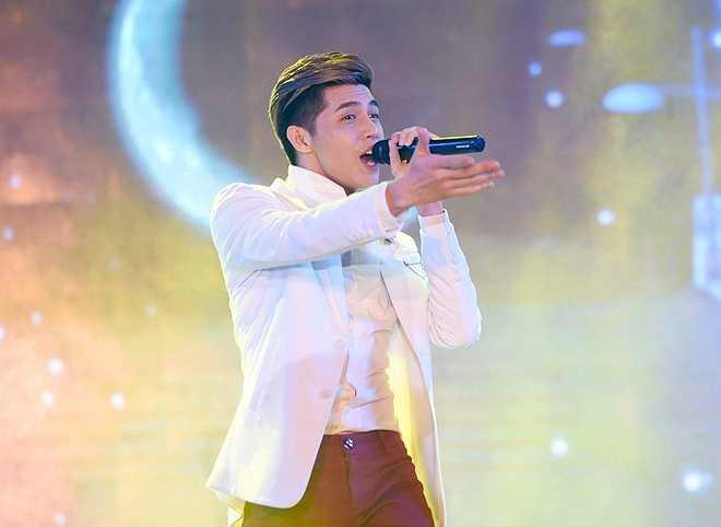 Noo Phước Thịnh bay ra Hà Nội vào chiều 26/5 để tham dự sự kiện.