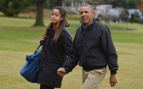 Tổng thống Obama bên cô con gái Malia
