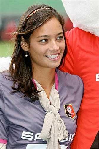 Alize Lim là con út trong gia đình có 3 anh em