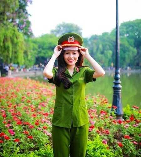 Cô bạn mơ ước trở thành một nữ chiến sĩ Cảnh sát Giao thông giỏi, nhiệt huyết.