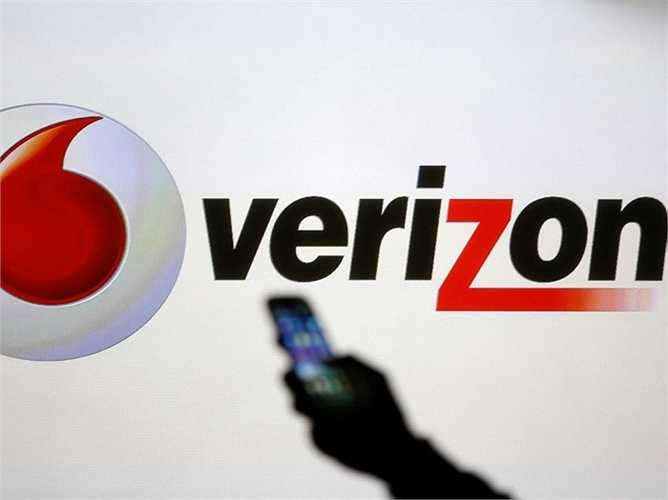 7. Verizon. Vị trí năm ngoái: 11, giá trị hiện tại: 86 tỷ USD. Một năm bận rộn của công ty viễn thông Verizon. Họ đã thực hiện nhiều cuộc mua lại và đã đẩy mạnh giá cổ phiếu bán ra, tiêu biểu là vụ mua lại AOL (4,4 tỷ USD), Verizon Wireless từ Vodaphone (130 tỷ USD)