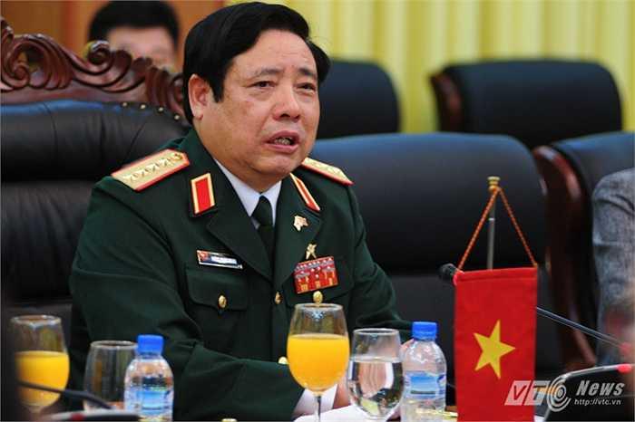 Bộ trưởng Quốc phòng, Đại tướng Phùng Quang Thanh trong cuộc hội đàm với đoàn Hàn Quốc