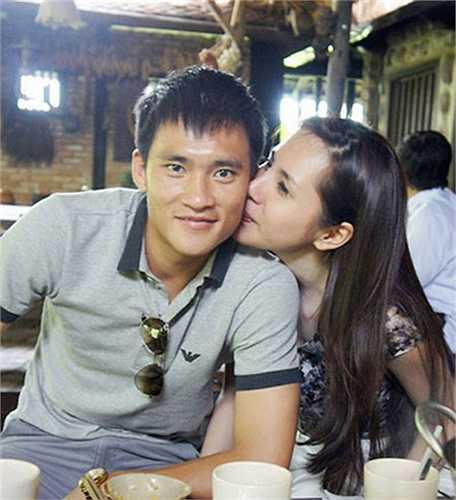 Những nụ hôn được chia sẻ trên mạng dù không nhiều nhưng đủ cho khán giả thấy tình cảm nồng ấm họ dành cho nhau.