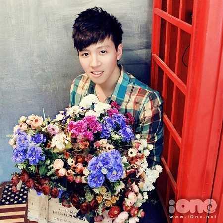 Lê Minh Phong (sinh năm 1995, quê Thanh Hóa) đang học năm thứ 2 trường ĐH Kinh doanh và Công nghệ.