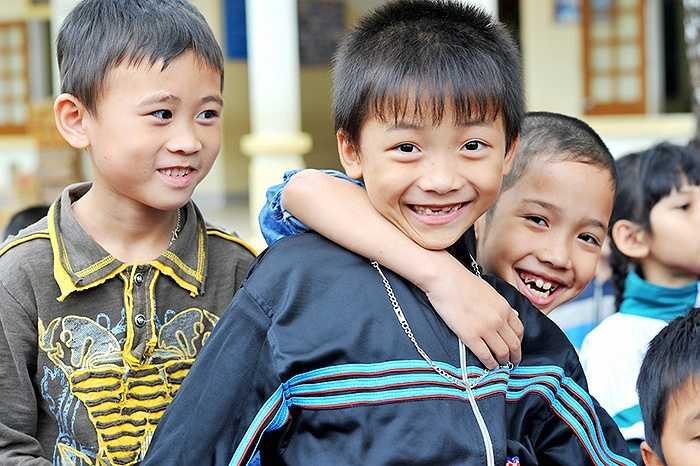 Câu chuyện về những nụ cười thơ trẻ trong veo khiến ai cũng xúc động