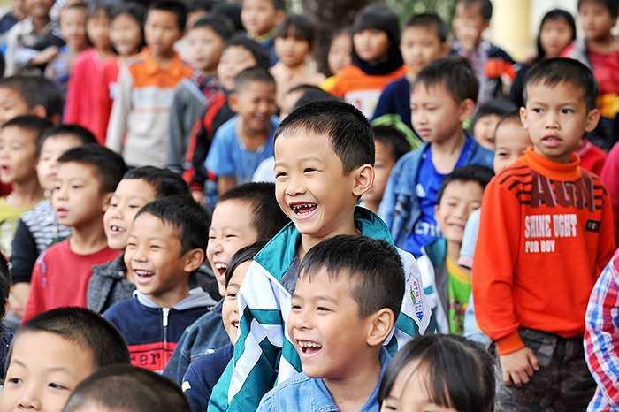 Bước vào năm thứ 16, chương trình nha học đường 'Bảo Vệ Nụ Cười Việt Nam' tiếp tục mang đến nhiều hoạt động tuyên truyền kiến thức sức khỏe răng miệng sinh động