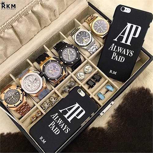 Các thiếu gia con nhà giàu có sở thích sưu tầm các loại đồng hồ độc, đẹp và đắt tiền nhất thế giới. Những bộ sưu tập đồng hồ của họ có thể lên tới hàng trăm chiếc mà không cái nào trùng cái nào.