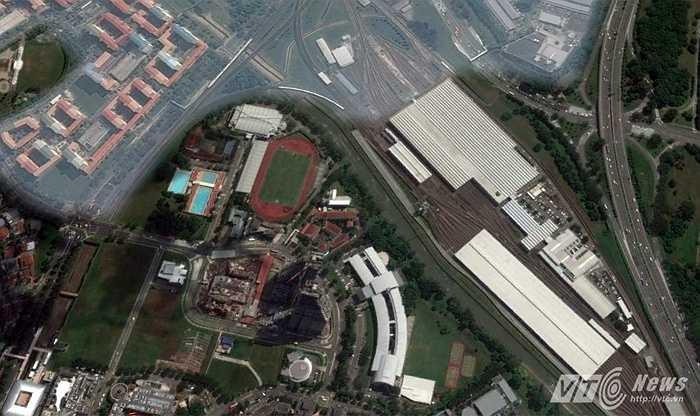 Sân Bishan nằm ở trung tâm thành phố Singapore và là một phần của trung tâm thể thao, giải trí Bishan. (Hình ảnh chụp từ vệ tinh)