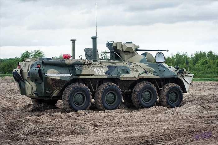 Bên cạnh đó xe được cải thiện khả năng ổn định cho kíp lái và quân lính bên trong