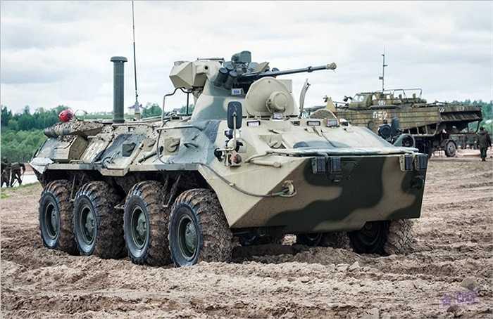 BTR-82 có thể đạt tốc độ tối đa 100km/h khi di chuyển trên đường bộ