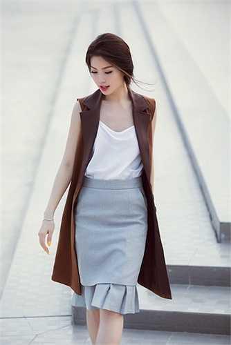Áo hai dây mang đến sự trẻ trung và quyến rũ cho Diễm Trang