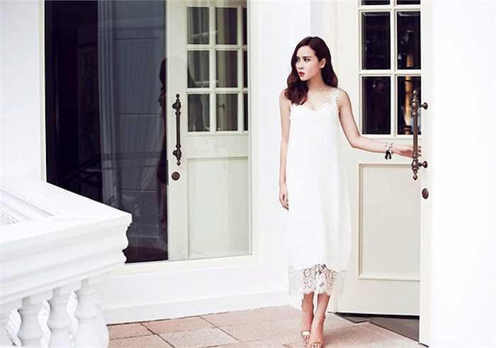Bà mẹ một con Lưu Hương Giang chưa bao giờ lỡ nhịp với những xu hướng thời trang hot