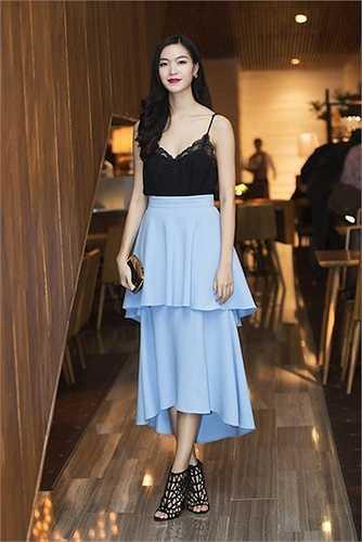 Hoa hậu Thùy Dung là một trong những tín đồ của thời trang hai dây