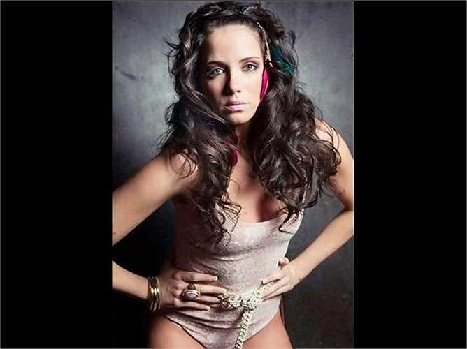 Samira Salome, ngồi sao truyền hình nổi tiếng cũng nằm trong danh sách chân dài được cho là tình 1 đêm của Ronaldo