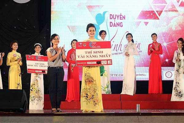 Thí sinh tài năng nhất đã được trao cho bạn Nguyễn Đặng Hồng Như, SBD 14, đến từ trường ĐH Khoa học Xã hội & Nhân văn.