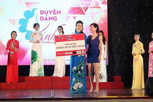 Bạn Tiêu Trúc Quỳnh, SBD 06, đã đạt được giải thưởng 'Thí sinh ĐHQG-HCM hội nhập'.