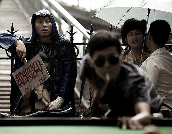 Tuy nhiên, phải đến khi tham gia siêu phẩm lay động trái tim khán giả Đường Sơn đại địa chấn (Aftershock - 2009) của đạo diễn Phùng Tiểu Cương, Lý Thần mới chính thức bước lên hàng sao, được cả khán giả lẫn các đạo diễn công nhận.