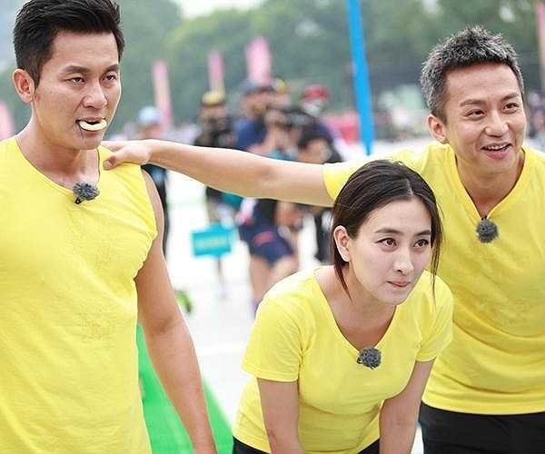 Gần đây, Lý Thần còn được yêu thích khi tham gia chương trình truyền hình thực tế Hurry Up, Brother - được chuyển thể từ chương trình Running Man nổi tiếng của Hàn Quốc. Năm ngoái, anh từng phải khâu tới 22 mũi trên trán vì va chạm với Kim Jong Kook trong Hurry Up, Brother.
