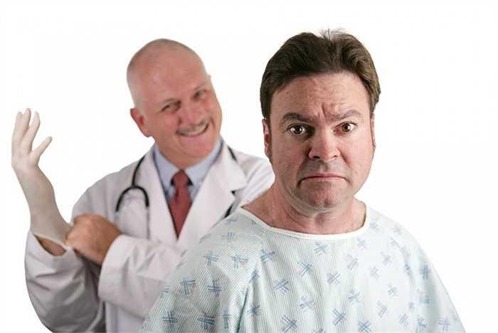1.Bác sĩ tiêu hóa   Ngày ngày tiếp xúc với các căn bệnh đường ruột, dạ dày, đại tràng,... công việc này quả thực không mấy dễ dàng nhưng cũng không quá bẩn thỉu. Mà mức lương thì khá hậu hĩnh: 400.000 USD/năm. Dự đoán con số này sẽ còn cao hơn nữa trong 10 năm tới.