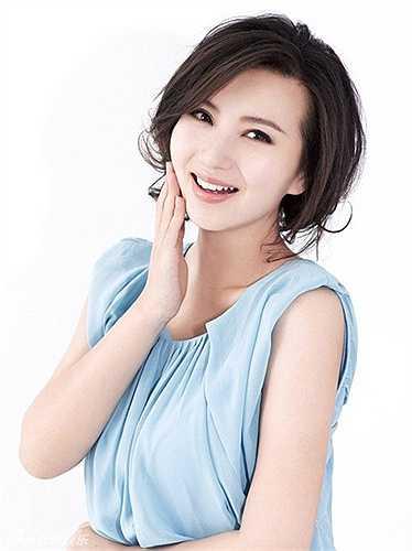 Cuối năm 2010, Trần Hảo kết hôn với doanh nhân Lưu Hải Phong. Sau khi sinh con gái đầu lòng vào tháng 5/2011, cô hạn chế đóng phim để tập trung chăm lo cho tổ ấm. Theo một nguồn tin, Trần Hảo đã có hai con và sống rất viên mãn.