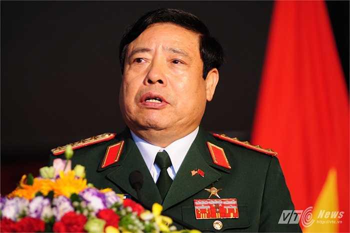 Đại tướng Phùng Quang Thanh trả lời một số câu hỏi của phóng viên