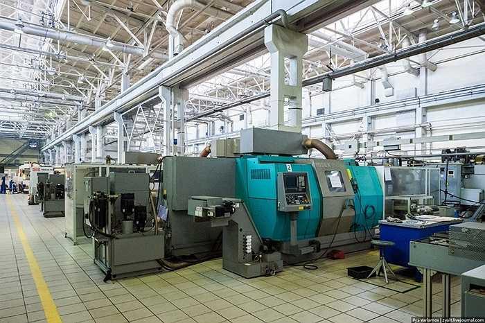 Máy cắt định hình CNC giúp việc cắt thép chính xác cao.