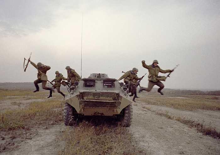 Các chiến sỹ biên phòng Quân khu Tây-Bắc trong bài tập chiến thuật
