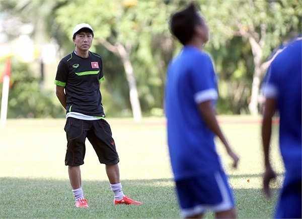 Dưới thời HLV Miura, bóng đá Việt Nam từng 3 lần đối đầu với Malaysia, giành 2 chiến thắng, 1 thất bại.