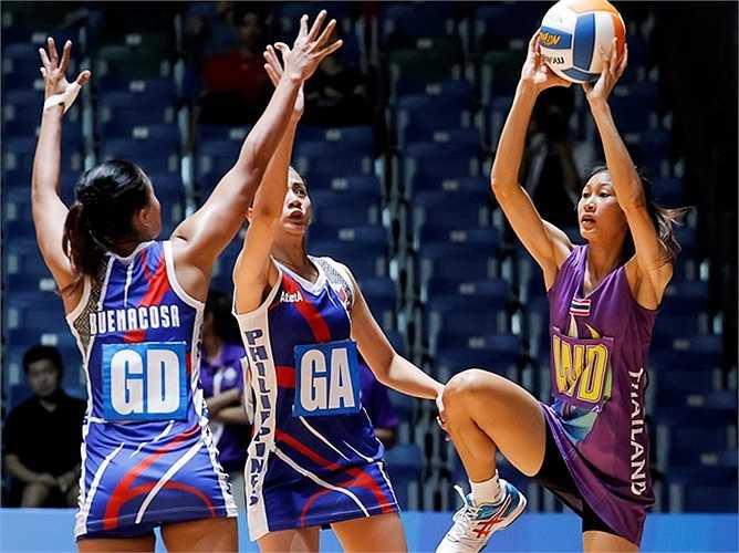 Trận đấu cuối cùng của ngày thi đấu hôm qua, Thái Lan cũng có chiến thắng dễ dàng 62-22 trước Philippines