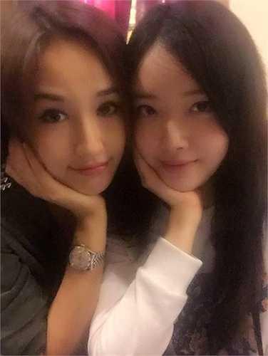 Nhan sắc của Ngọc Phượng không hề thua kém chị gái Mai Phương Thúy, thậm chí còn có nhiều nét dịu dàng, nữ tính hơn.