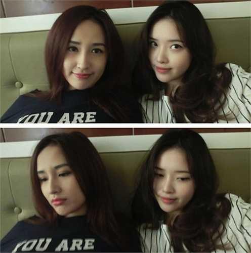 Hai chị em Hoa hậu thường xuyên chụp hình với nhau rất tình cảm.